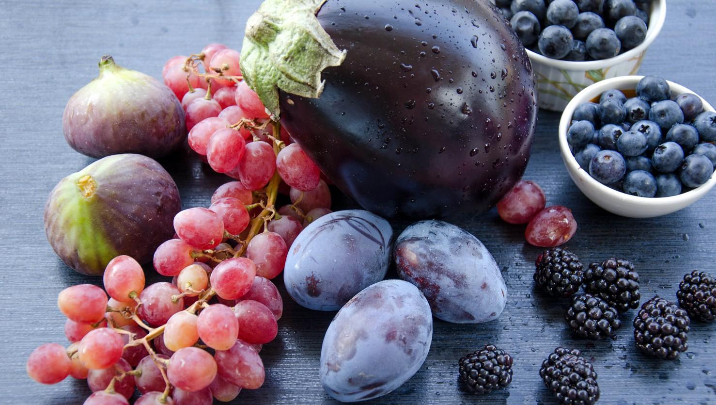 Frutta e verdura di colore viola