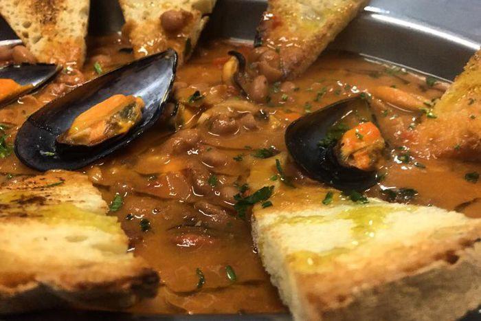 La Ricetta Della Zuppa Di Cozze E Fagioli Romagna A Tavola