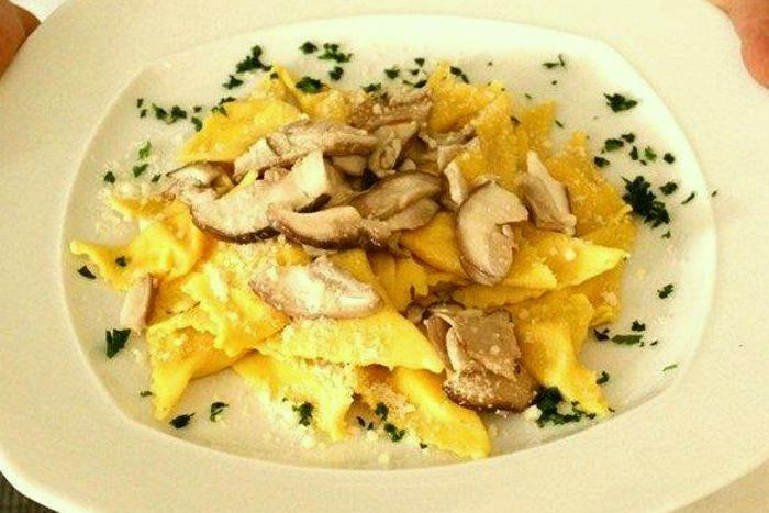 Tortelli di zucca, patate e funghi - Ristorante Anna