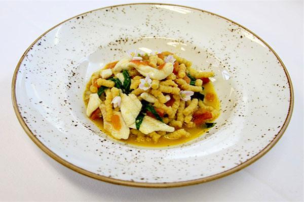 Passatelli con ragù di sogliola, vongole e stridoli_Quartopiano Suite Restaurant