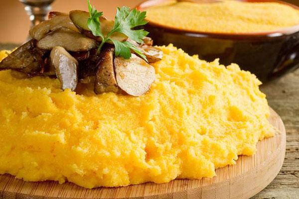 Sagra della polenta e dei frutti del sottobosco | Peticara