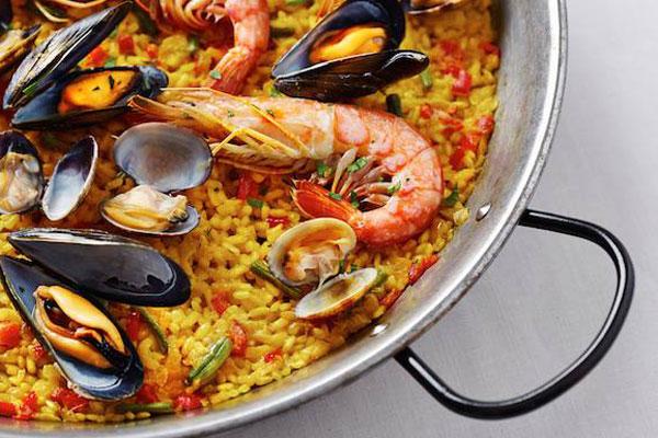Paella per la Serata Spagnola al Ristorante Righi di San Marino