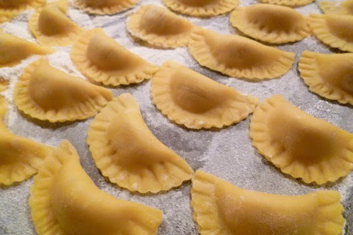 Mezzelune di pasta fresca - Fonte www.rosmarinonews.it