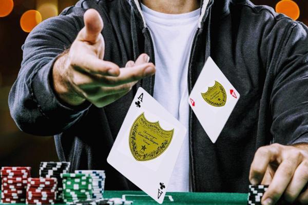 Poker d'assi con jolly - Ristorante Cruderia Al Porto
