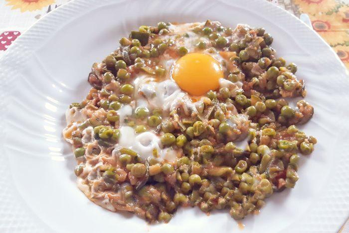 uova con i piselli