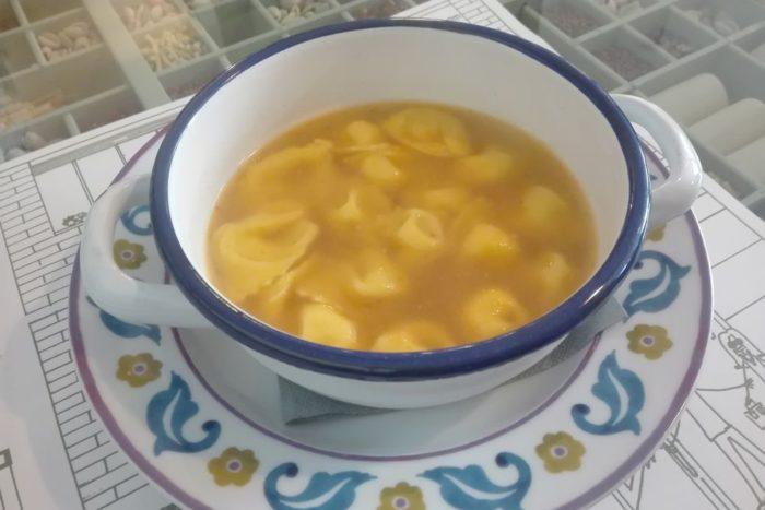 Cappelletti in brodo - Cucina del Condominio - Ravenna