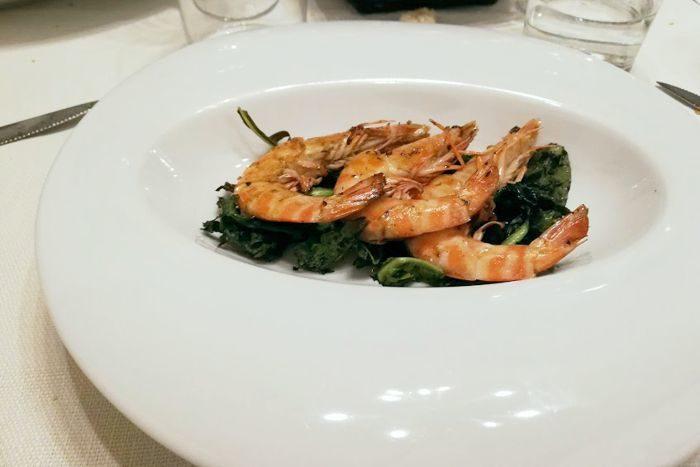 Mazzancolle su un letto di erbe selvatiche - L'O Osteria Cucina & Cantina - Lugo