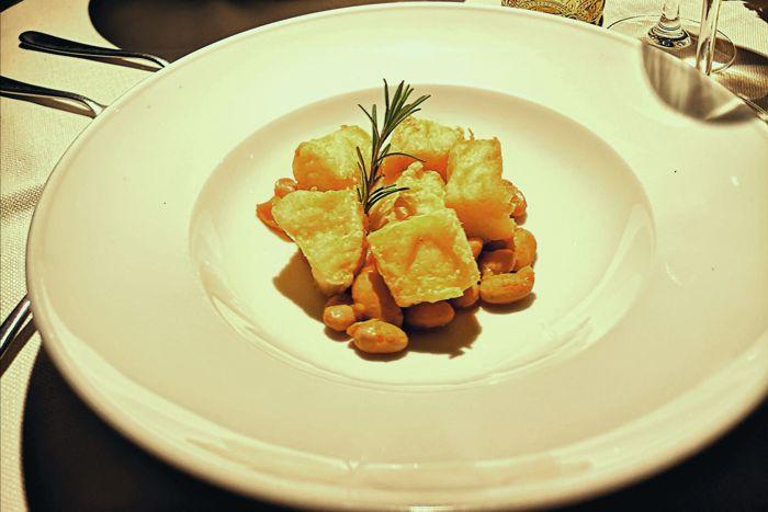 Baccalà fritto con umido di fagioli borlotti - Locanda dei Salinari - Cervia