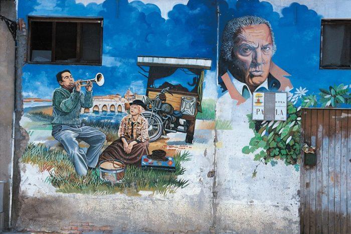 Murales dedicato a Fellini a Borgo San Giuliano