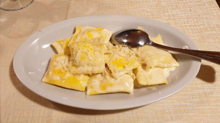 ravioli al formaggio di fossa - La Chiacchera a Covignano di Rimini