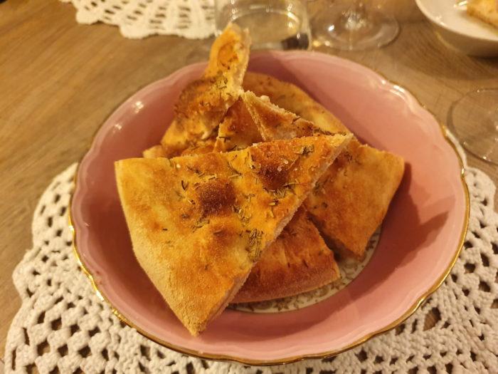 Manna con Cucina Fornarina