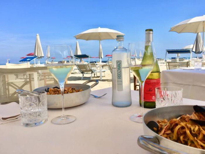 Salicornia Beach Bar & Restaurants Spiaggia