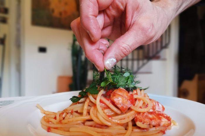 Spaghettoni di Gragnano al sugo di canocchie