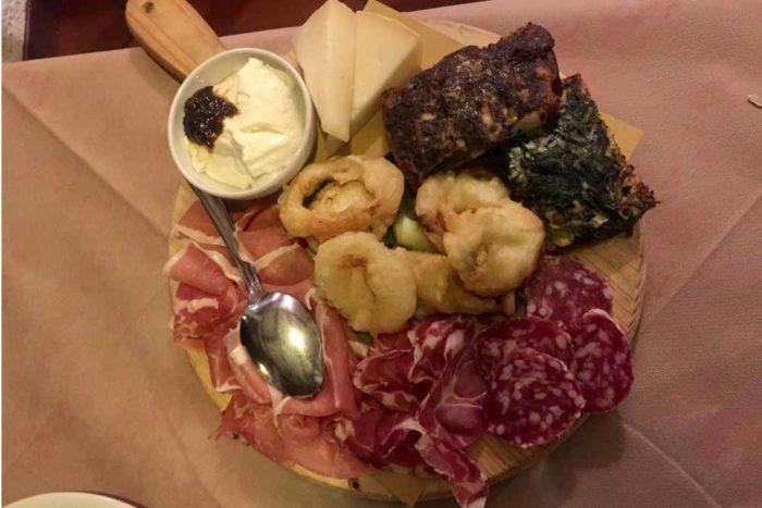 Affettati e formaggi tosco-romagnoli Osteria La Capannina di Longiano