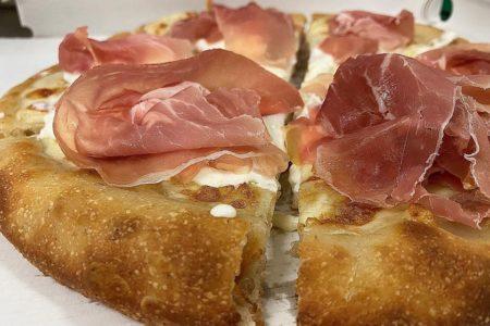 Manna Riccione Cucina con Pizza Foto