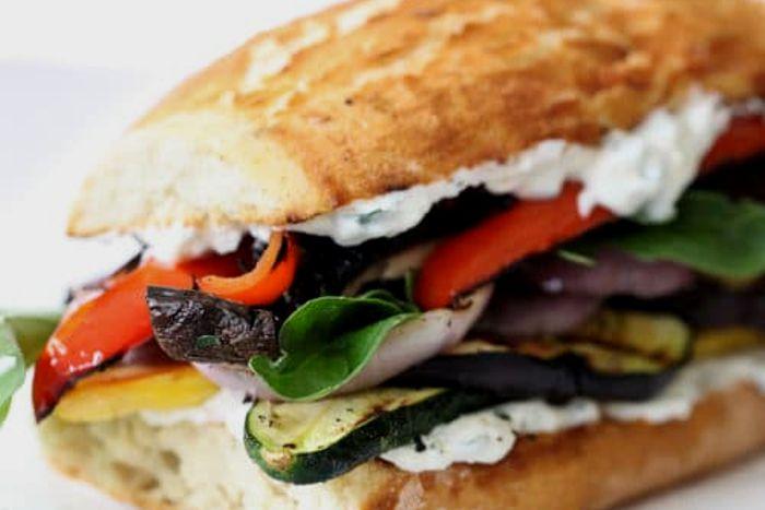 Panino con verdure alla griglia