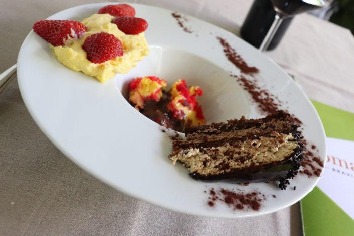 Mascarpone con le fragole, zuppa inglese e torta ai tre cioccolati - Trattoria I Maceri Cesena